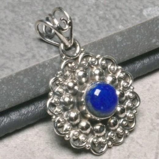 Lápisz lazuli medál, ezüst