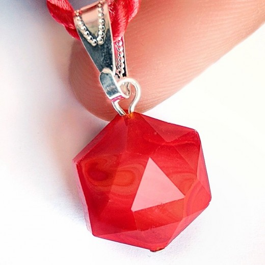 Andara kristály medál, piros