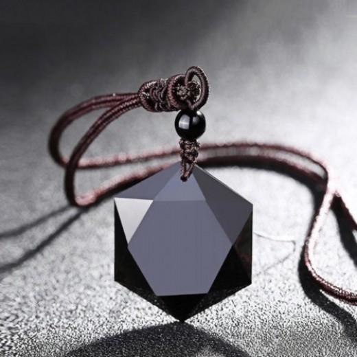 Obszidián hexagram medál