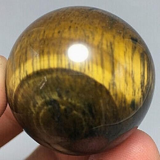 Tigrisszem ásvány gömb, 3cm
